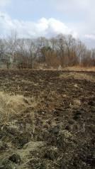 Продается часть огорода 10 соток под ИЖС ( земля в собственности). 1 000 кв.м., собственность, электричество, от частного лица (собственник)