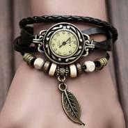 Часы-браслеты.