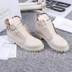 Женская обувь. 40