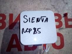 Заглушка бампера. Toyota Sienta, NCP85G, NCP85
