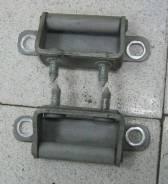 Крепление крышки багажника. Hyundai Grand Starex
