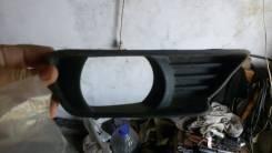 Заглушка бампера. Toyota Camry
