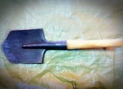 Лопаты саперные.