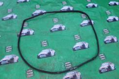 Уплотнитель двери багажника. Toyota Mark II, JZX100, GX100 Toyota Chaser, GX100, JZX100