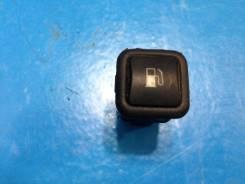 Кнопка открывания бензобака. Volkswagen Passat, 3B, 3B3, 3B6