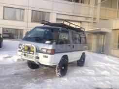 Фара Mitsubishi DELICA