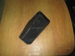 Накладка упор для ноги Lancer 9 (CS/Classic) 2003-2006 Митсубиси Лансер 9 MR417180