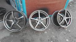 Sparco. 8.0x17, 5x114.30, ET30, ЦО 70,0 мм.