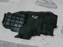 Накладка под лобовое стекло правая Mitsubishi Lancer X, передняя