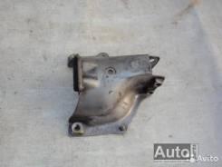 Кронштейн опоры двигателя. Audi