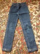 Отдам джинсы на девочку рост 134-140