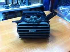 Дефлектор панели приборов правый LEXUS LX470 оригинал Toyota 55680-60070-E0