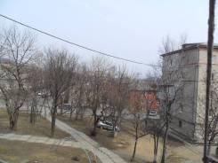 Комната, улица Дальняя 5. Южный мкр-н, агентство, 16кв.м. Вид из окна днём