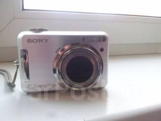 Sony Cyber-shot DSC-S800. 8 - 8.9 Мп, зум: 7х