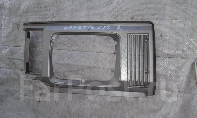 Ободок фары. Nissan Vanette, KMC22, KMGC22, KMGNC22, KMJNC22