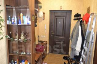 2-комнатная, улица Толстого 140А. 12 микрорайон, агентство, 56 кв.м.
