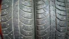 Bridgestone Ice Cruiser. Зимние, шипованные, 2012 год, износ: 40%, 4 шт