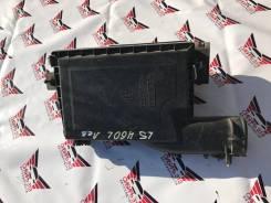 Корпус воздушного фильтра. Lexus LS460