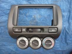 Консоль панели приборов. Honda Fit, GD4, GD3, GD2, GD1