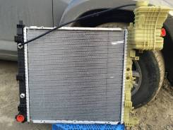 Радиатор охлаждения двигателя. Mercedes-Benz Vito