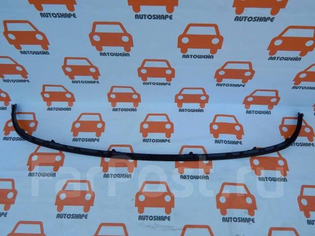 Накладка решётки переднего бампера Renault Megane 3