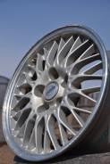Nissan. 7.0x16, 5x114.30, ET40, ЦО 64,1мм.