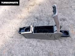 Бардачок. Toyota Prius, NHW20 Двигатель 1NZFXE