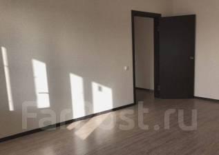 1-комнатная, улица Героя А.А. Аверкиева 26. ККБ, агентство, 39 кв.м.