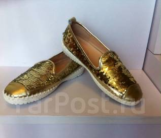 Обувь женская. 37