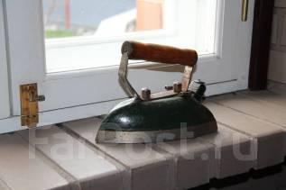 Продам Старинный электрический утюг. Оригинал