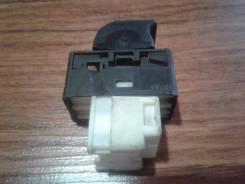 Кнопка стеклоподъемника. Nissan Sunny, B14