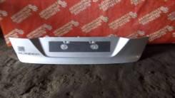 Накладка крышки багажника. Ford Mondeo