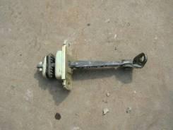Ограничитель двери. Honda Odyssey, RA6 Двигатель F23A
