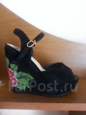 Обувь женская. 35