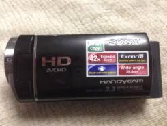 Sony HDR-CX130E. Менее 4-х Мп