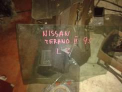 Стекло боковое. Nissan Terrano II