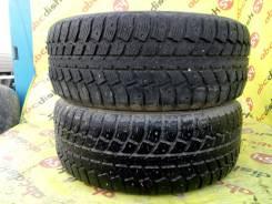 Toyo Observe G2S. Зимние, шипованные, 2011 год, износ: 30%, 2 шт
