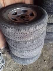 Продаю комплект колес недорого. x16 6x139.70