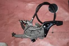 Педаль ручника. Toyota Corolla Spacio, NZE121, NZE121N, ZZE122, ZZE122N, ZZE124, ZZE124N