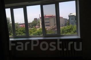 Гостинка, улица Некрасова 124 Уссурийск. кафе ПЕКИН, частное лицо, 18 кв.м. Вид из окна днем