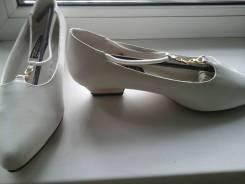Туфли-лодочки. 38