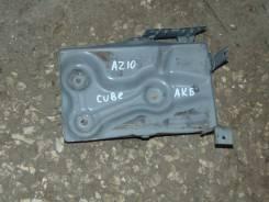 Кронштейн под аккумулятор. Nissan Cube, AZ10 Двигатель CGA3DE