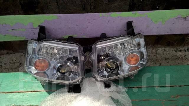 Фара. Mitsubishi Toppo, H82A Mitsubishi eK-Sport, H82W Mitsubishi eK-Wagon, H82W Mitsubishi eK-Series, H82W Nissan Otti, H92W Двигатели: 3G83, 3G83T