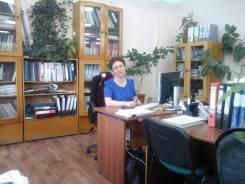 Менеджер по работе с клиентами. Высшее образование по специальности, опыт работы 34 года