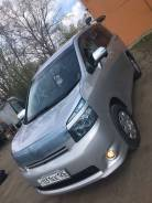 Toyota Voxy. автомат, 4wd, 2.0 (143 л.с.), бензин, 130 тыс. км
