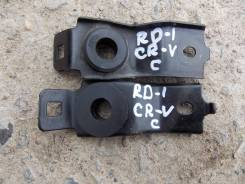Крепление радиатора. Honda CR-V, RD1