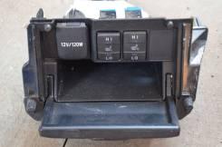 Кнопка включения обогрева. Toyota Corolla, ZRE181