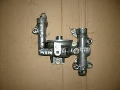 Крепление масляного фильтра. Nissan Atlas, AGF22 Двигатель TD27