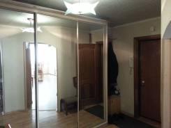 5-комнатная, улица Шкипера Гека 15. Центр, частное лицо, 100 кв.м. Прихожая