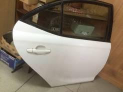 Дверь задняя правая Toyota Allion ZZT240 белая